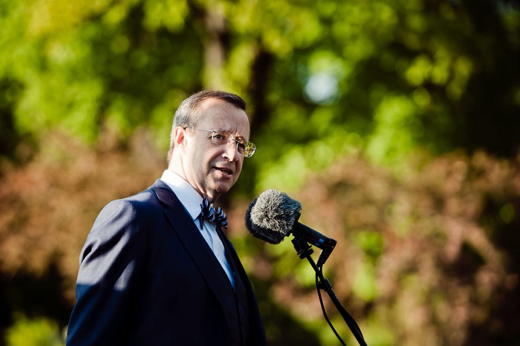 Toomas Hendrik Ilves at the 36th Annual Conference of the Association of Philosophy and Literature (Source)