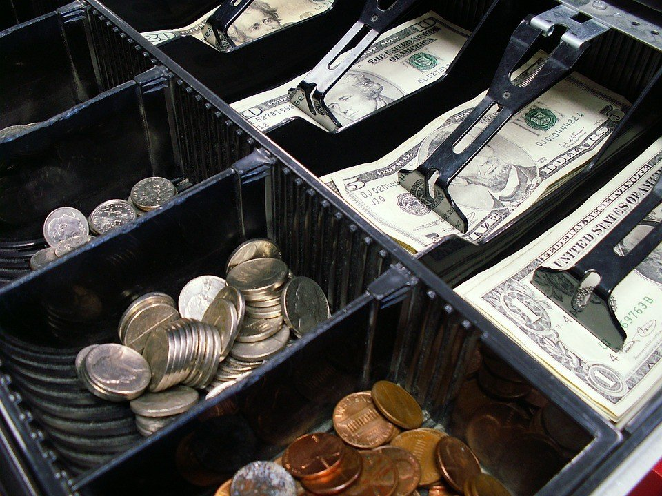Training you employees how to handle cash-handling system to avoid counting mistakes
