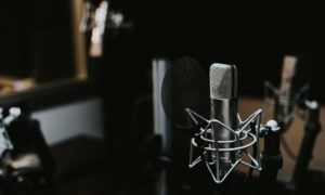 5 must-listen podcasts for public speakers