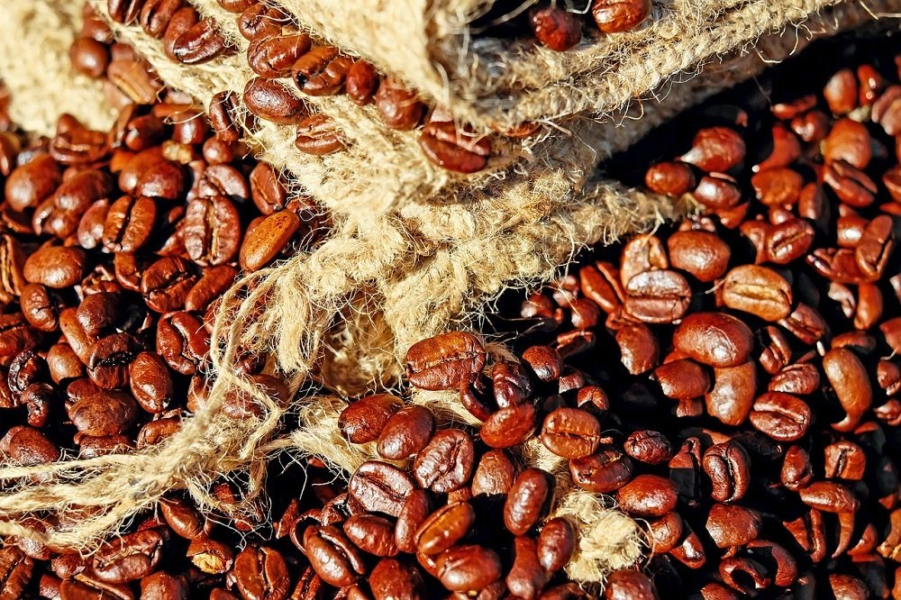 Coffee market improves on behalf of cocoa and sugar