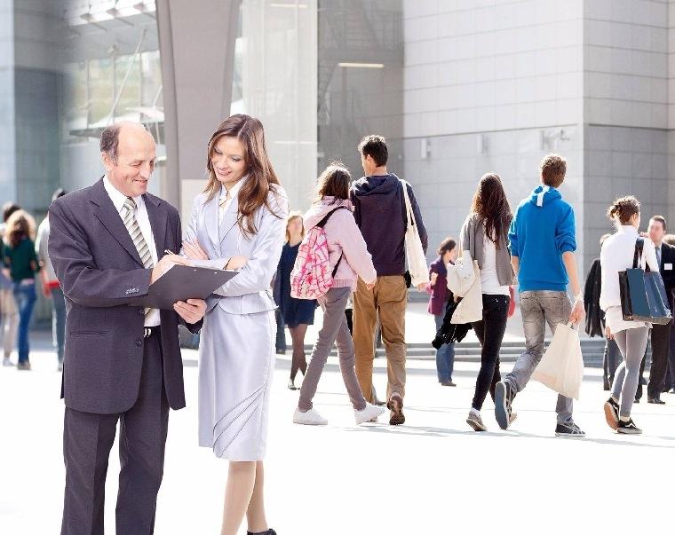 Entrepreneur,  age,  connection,  advantage,  experience