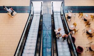 American shopping malls are dying - How to save them?