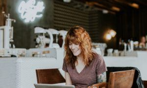 Common traits between the blogging and hotel business