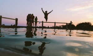 3 fun and frugal things to do before summer ends