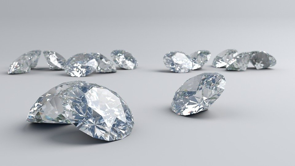 diamond raw mineral