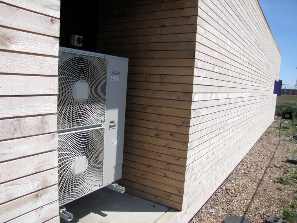 energy retrofitting heat pumps