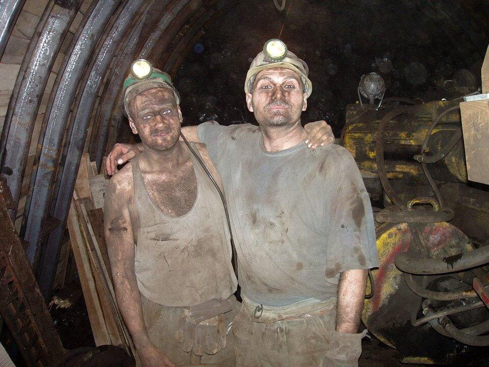 Coal mining vs alternative energy jobs