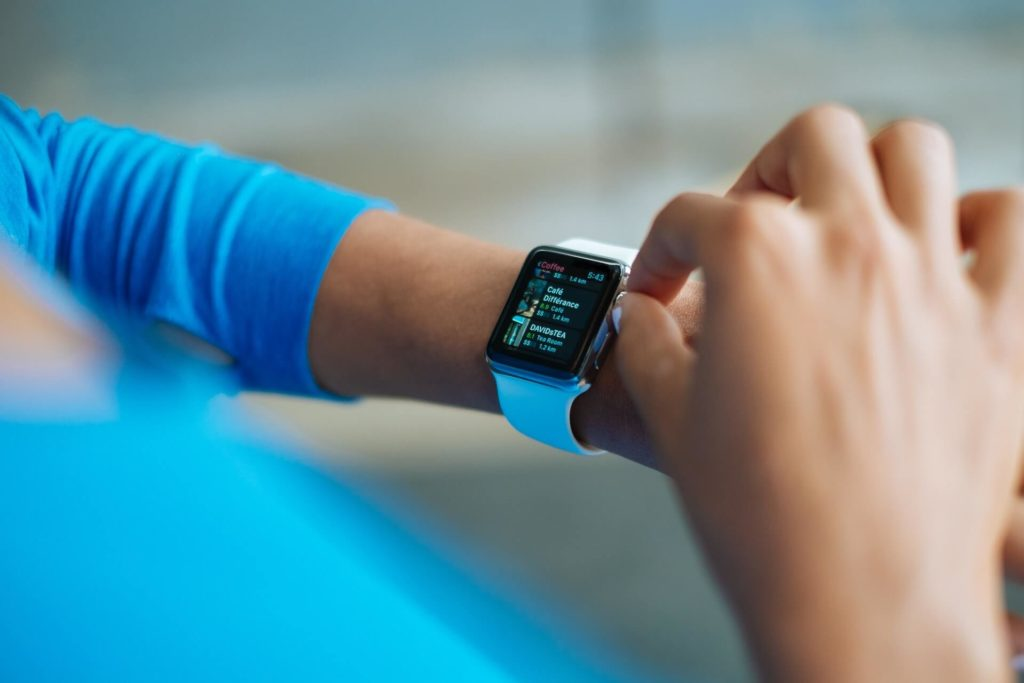 Smartwatch in Internet of Things