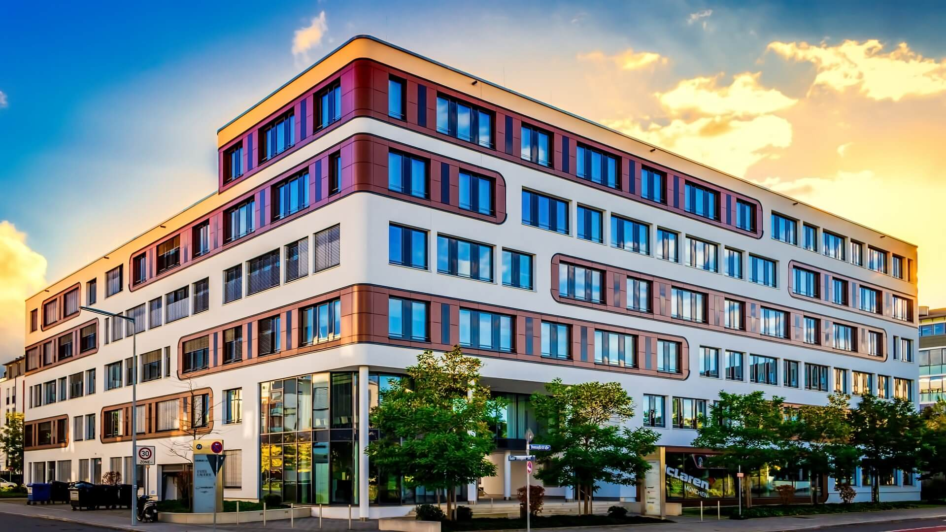 Real Estate Architecture : Athens commercial real estate market converts office
