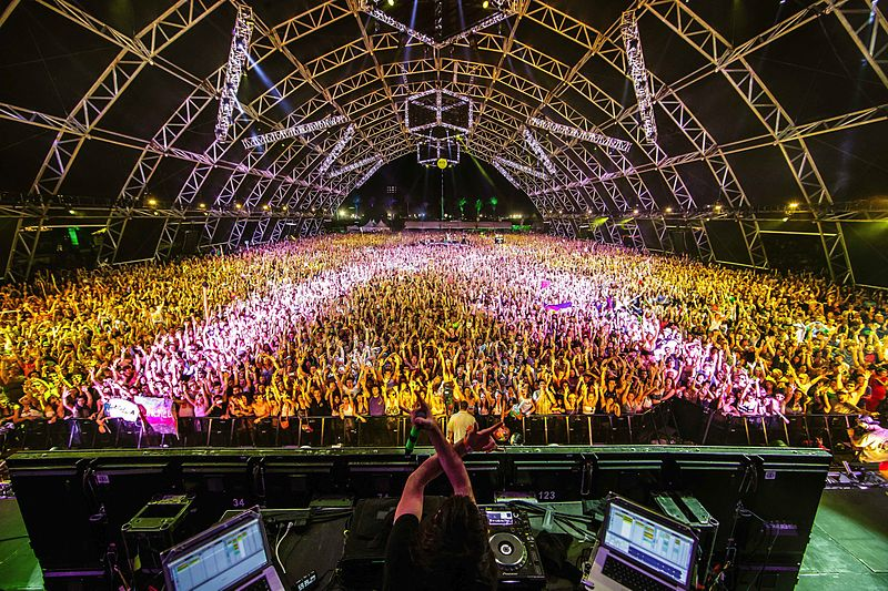 What started out as a simple festival back in 1999 became a massive breakthrough in the music industry up until 2018. (Photo by Drew Ressler via Wikimedia Commons. CC BY-SA 3.0)