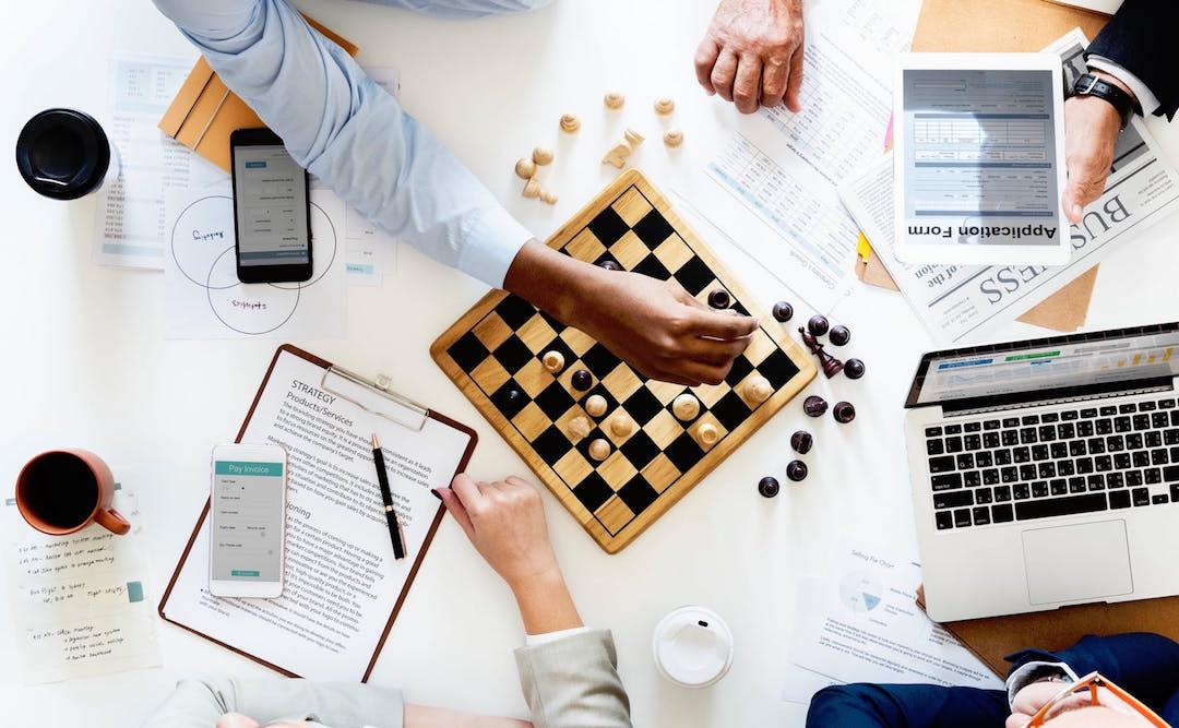 Commodity trading and chess