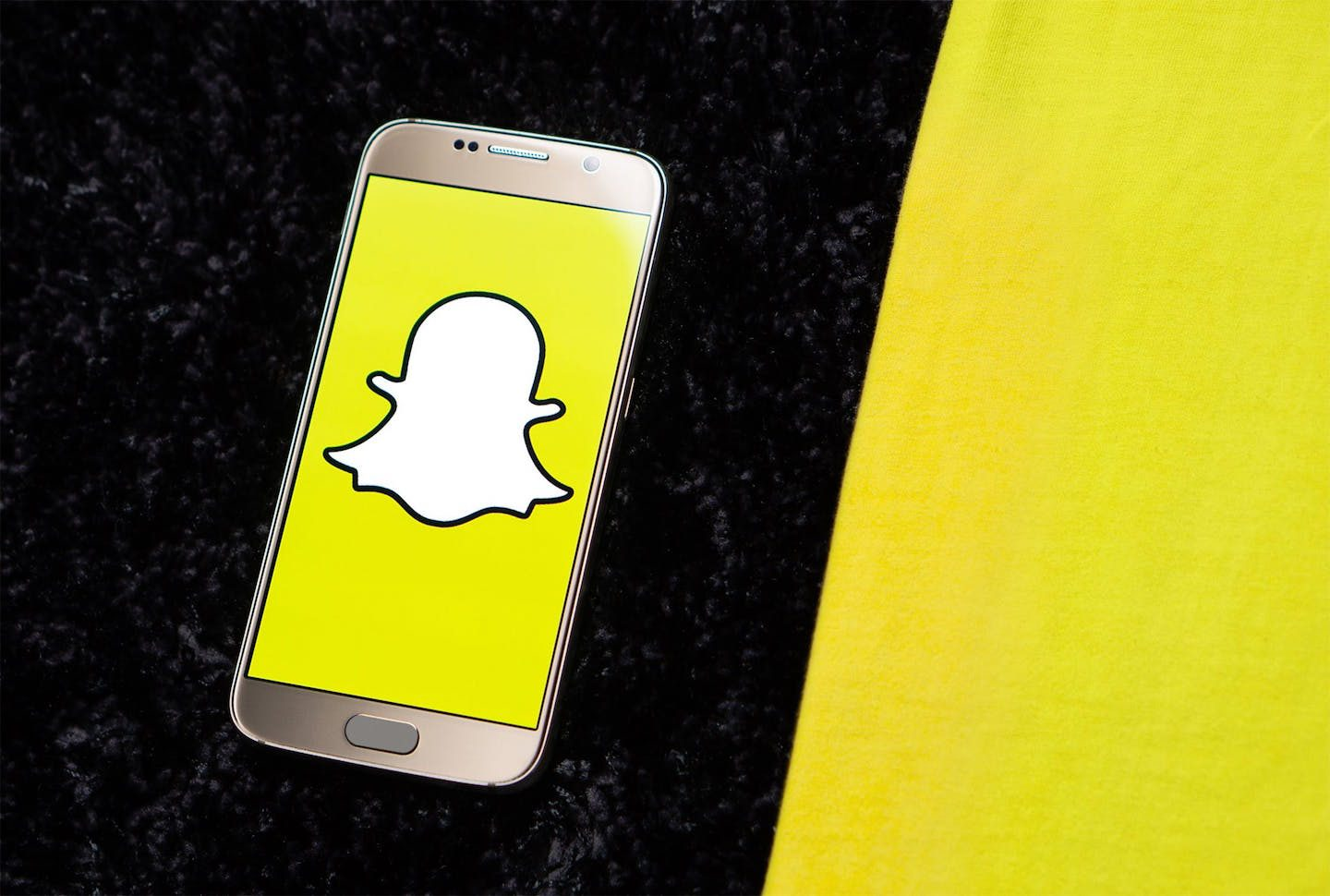 Snap First-Quarter Earnings Miss On Revenue As Stock Crashes