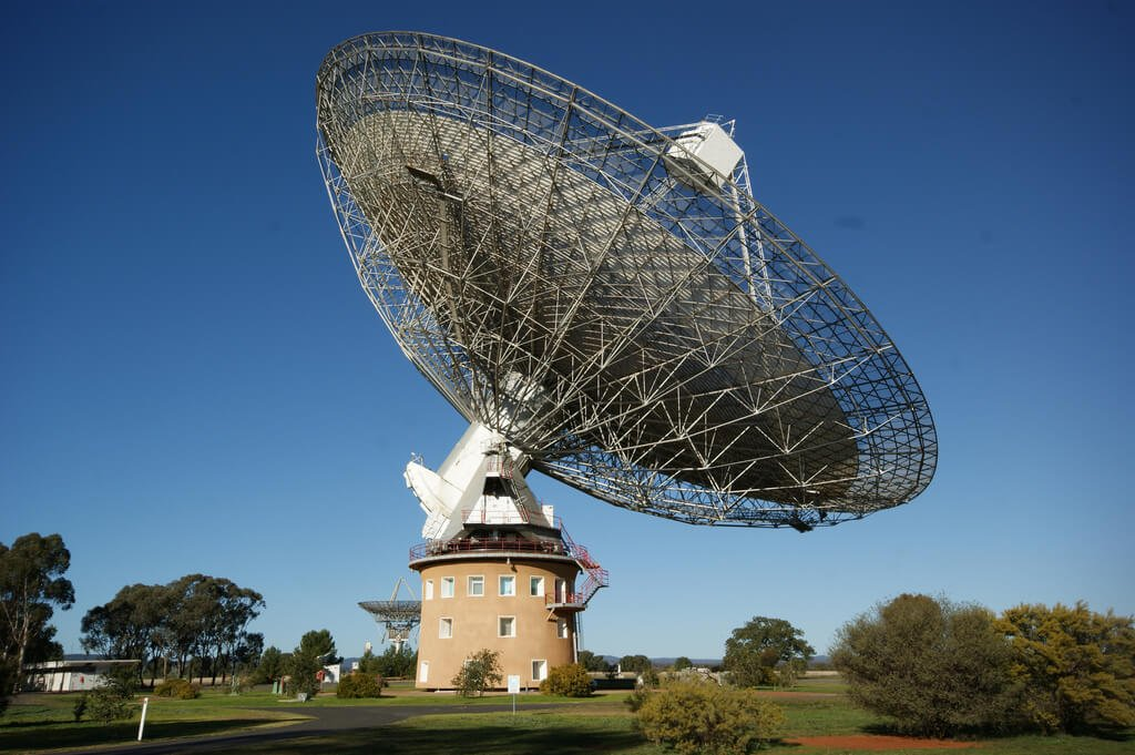 Parkes Radio Telescope Breakthrough Listen