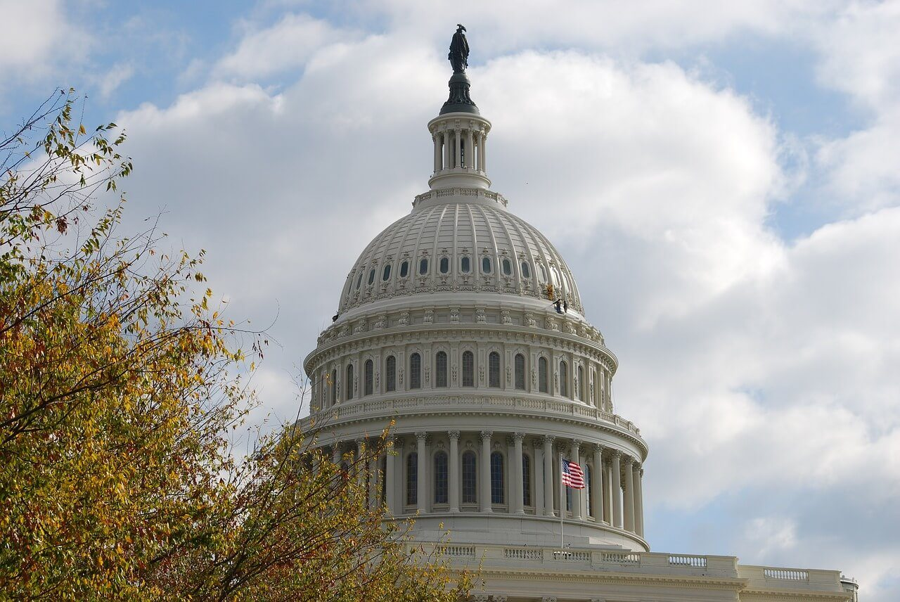 Congressional air travel perks