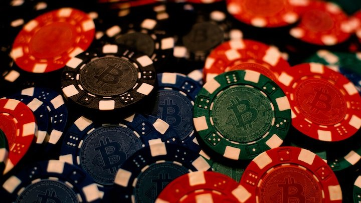 With Bitcoin-based casinos operating sucessfully, the future of Bitcoin gaming services looks very bright.