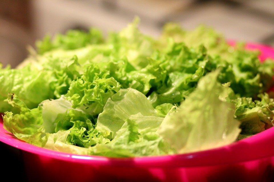 Chipotle restaurant lettuce