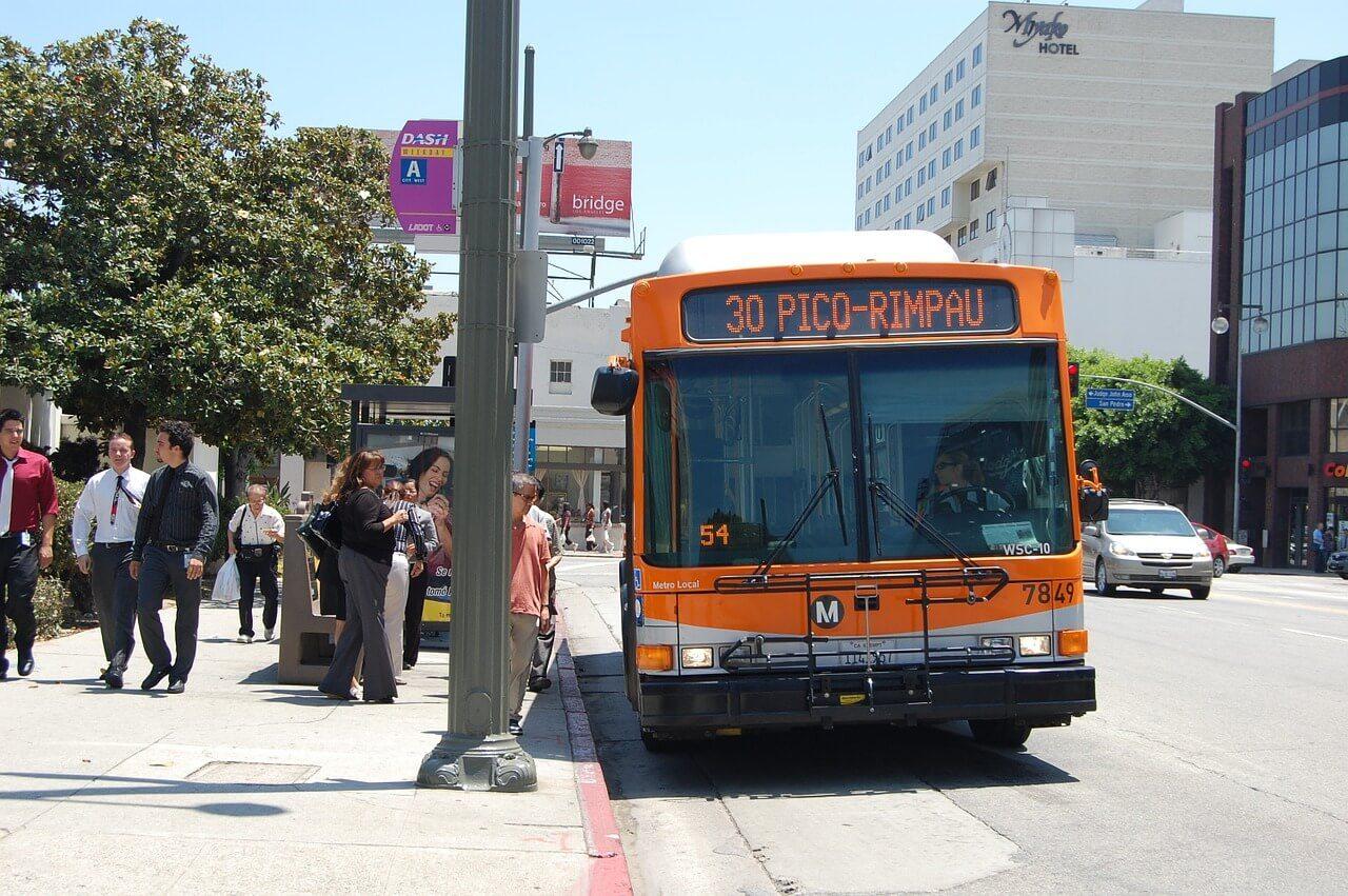 bus LA