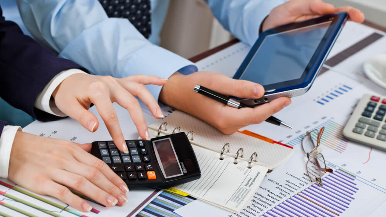 5 essential accounting tips for small business owners
