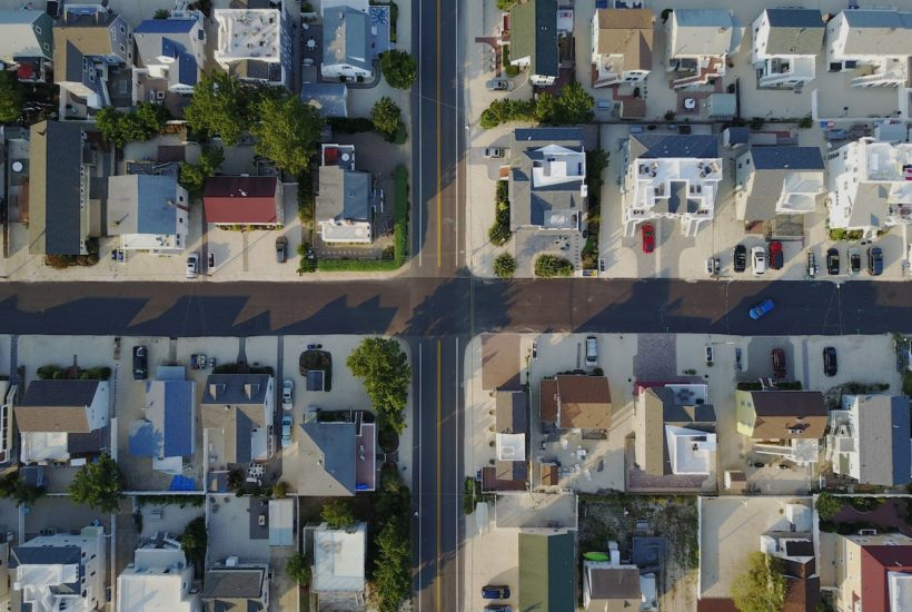 This picture show a neighborhood from the air.