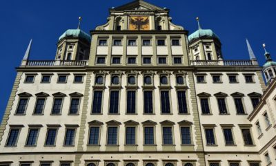 This picture show a building in Ausberg.