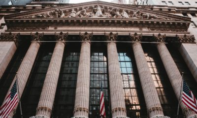 This picture show the entrance of Wall Street.