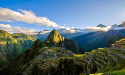 This picture show the ruins of Machu Pichu in Peru.
