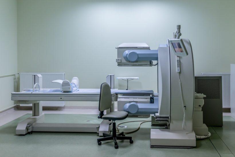 This picture show an MRI machine.