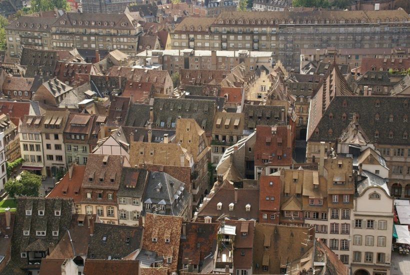 This picture show a city in France.