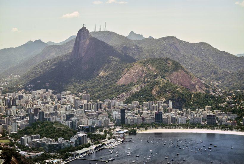 This picture show the city of Rio de Janeiro.