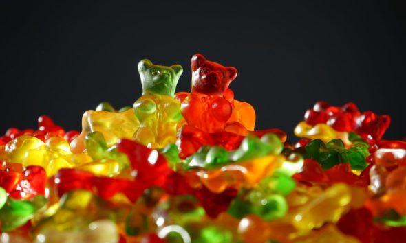 This picture show some gummi bears.