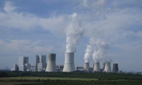 This picture show a nuclear plant.