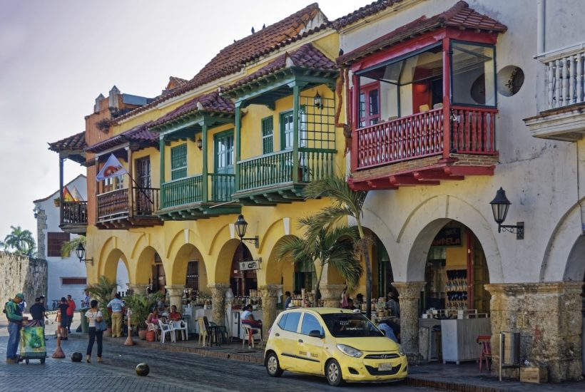 This picture show a town in Colombia.
