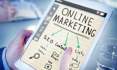 This picture show a person looking at online marketing tips.