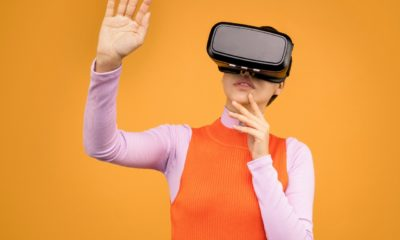VR technology is able to create engaging experiences in online retail